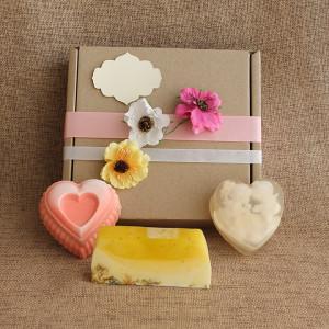 Мыло ручной работы  подарочный набор «Нежность в сердцах» –  WSPN-009